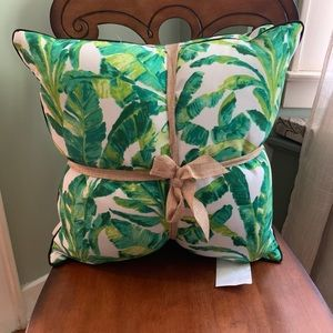 NWT Tommy Bahama Outdoor Pillow Set Two Palm Trees